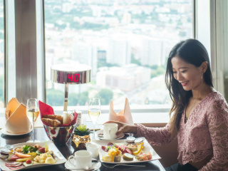 Delicious_breakfast_on_top_of_the_Berlin_TV_tower