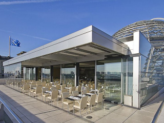enjoy_a_lunch_at_the_Reichstag_restaurant