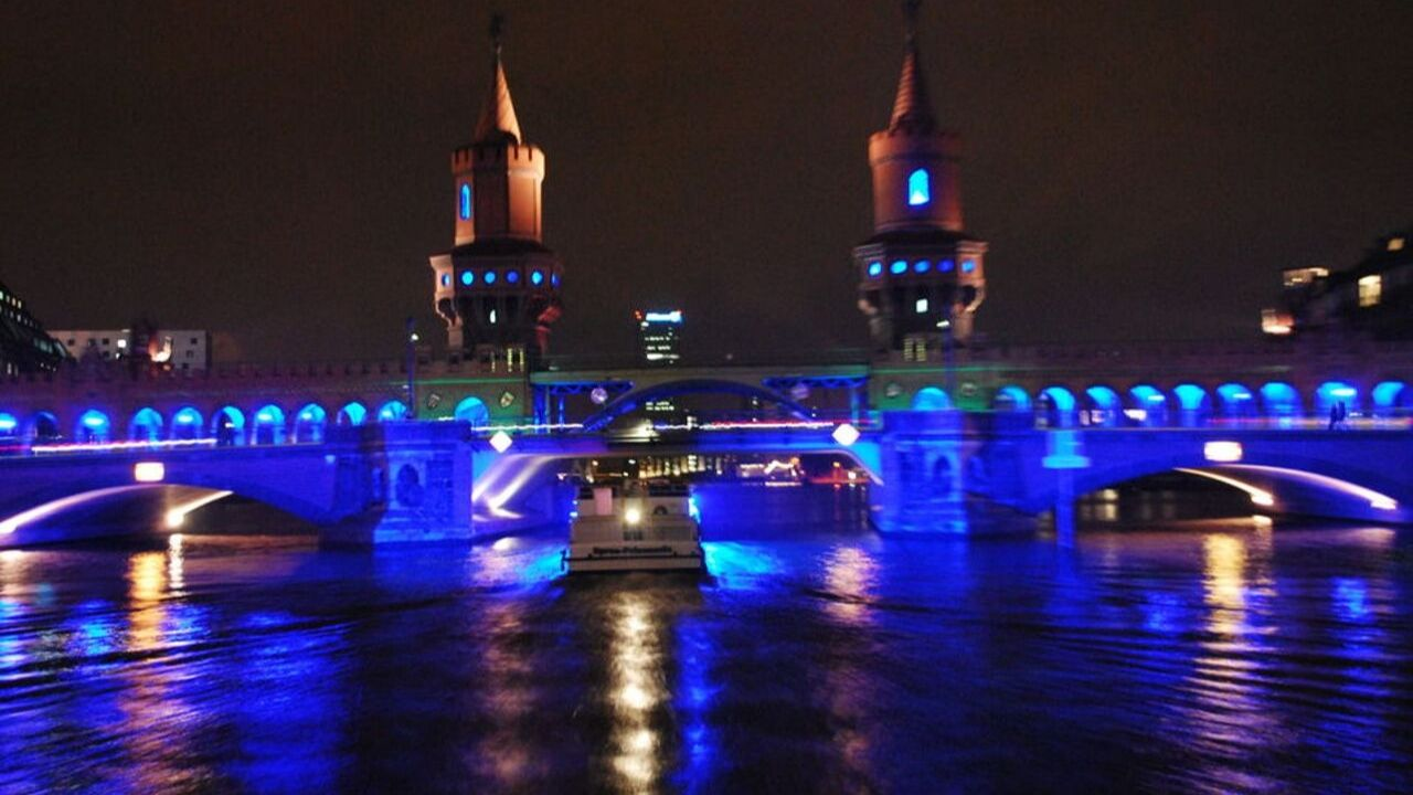Bus- und Boots-Tour zum Festival of Lights