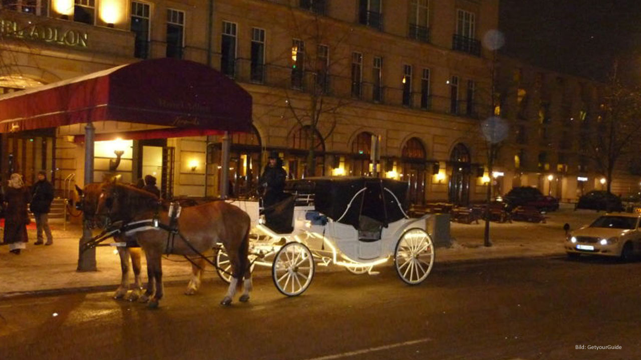1-Hour Horse-Drawn Carriage Ride by Night