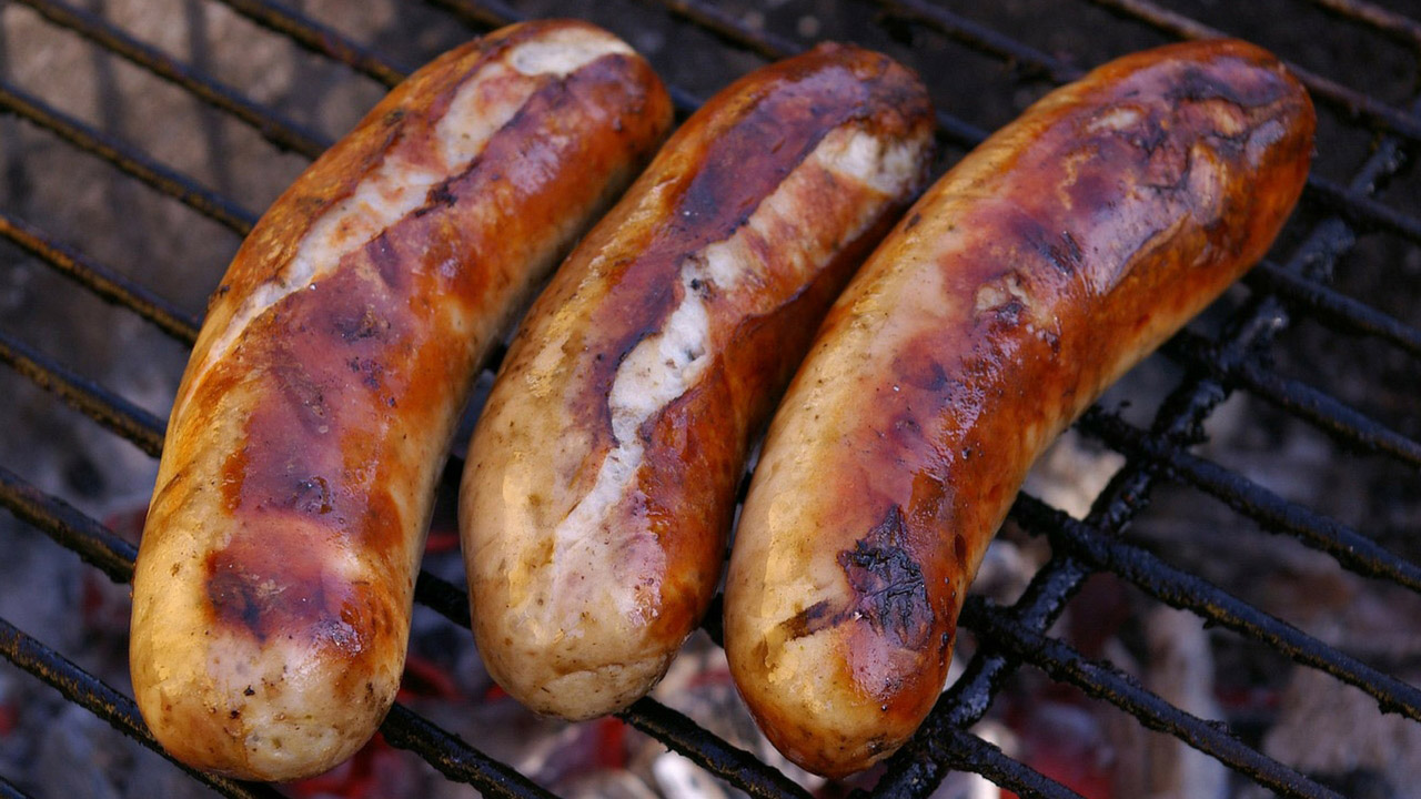 At the bratwurst championship 2019 you can try original and exotic sausages